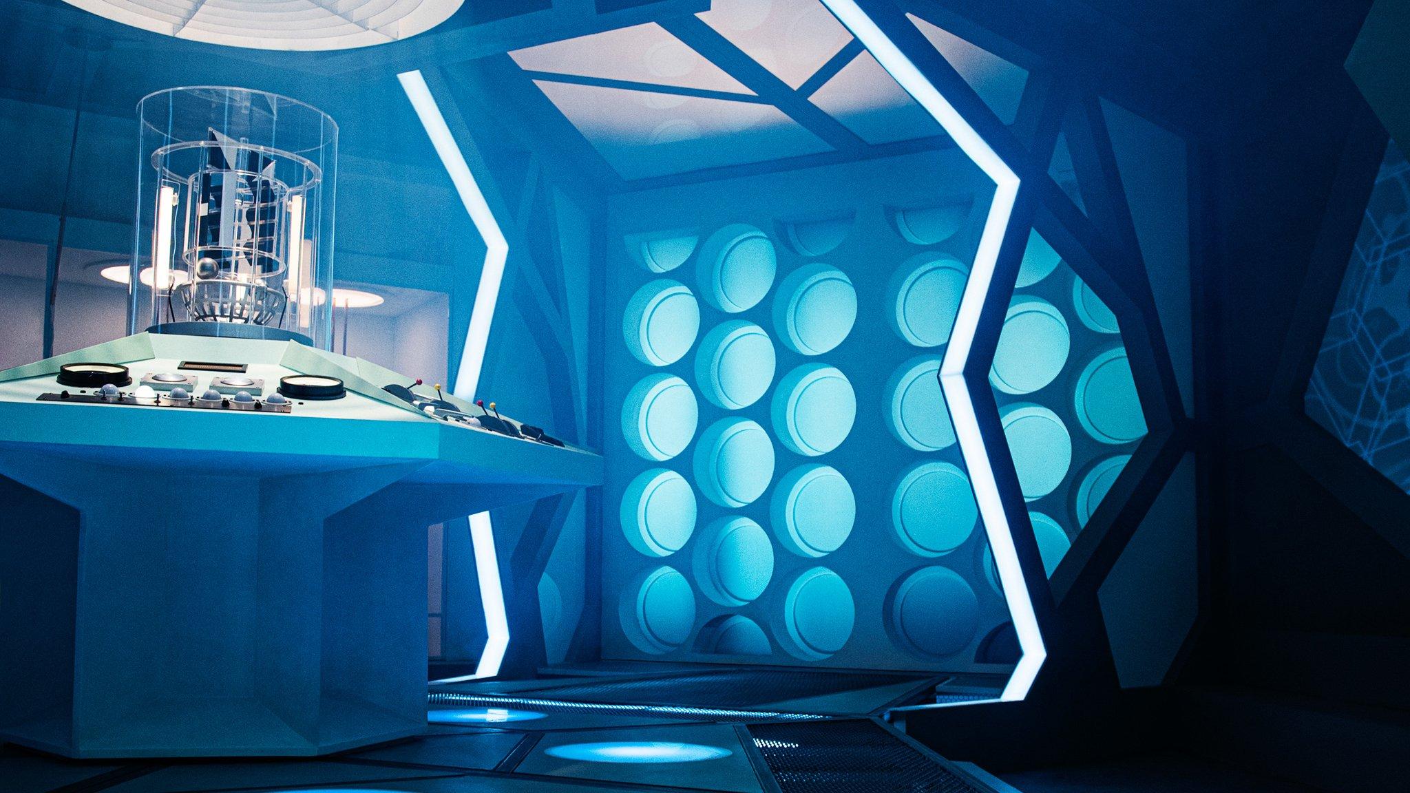 2019_Doctor_Who_tardis