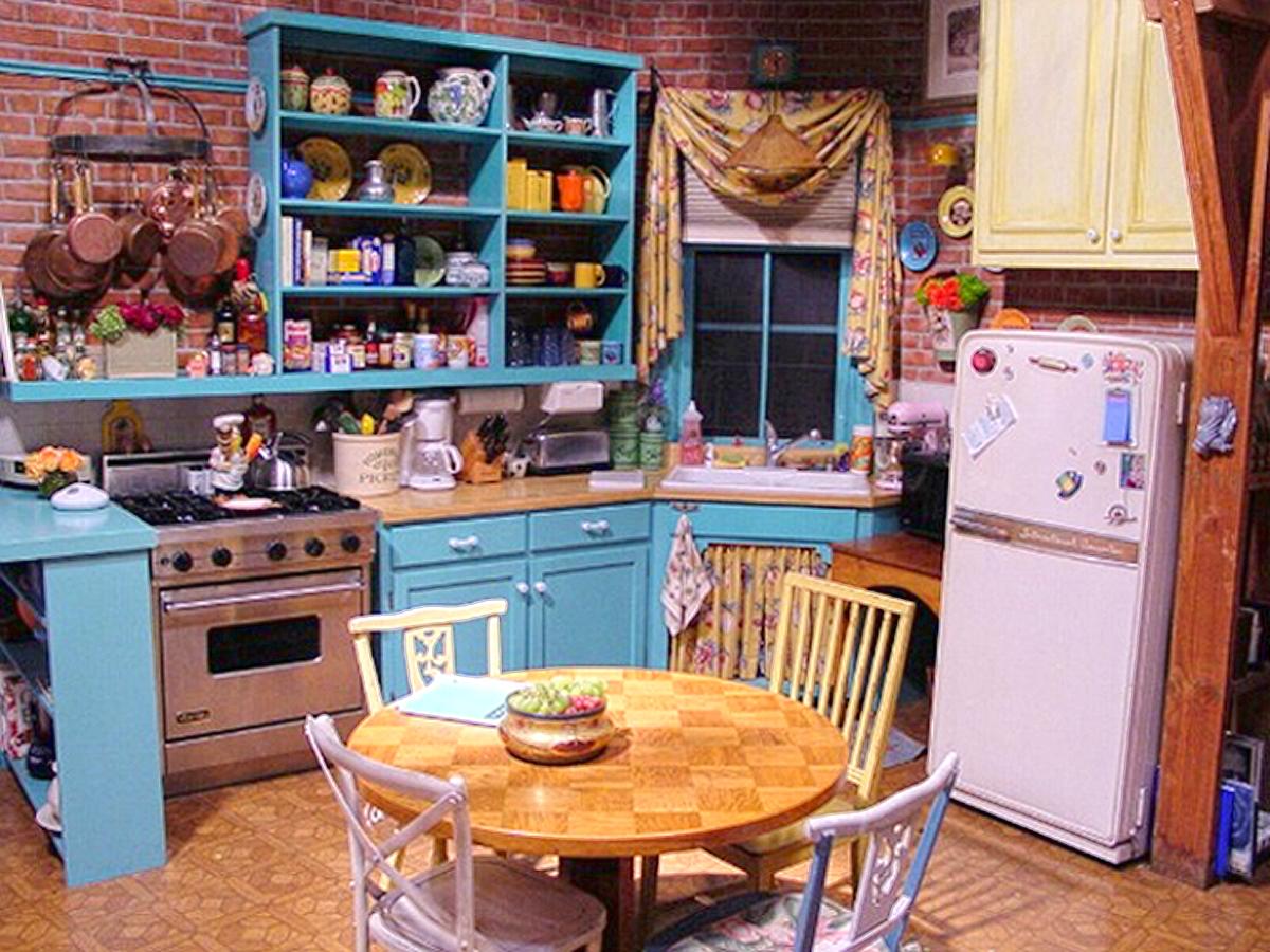 virtual_background_friends_kitchen